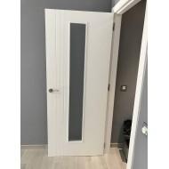 Puerta lacada en blanca 3 ranuras y 1 cristal